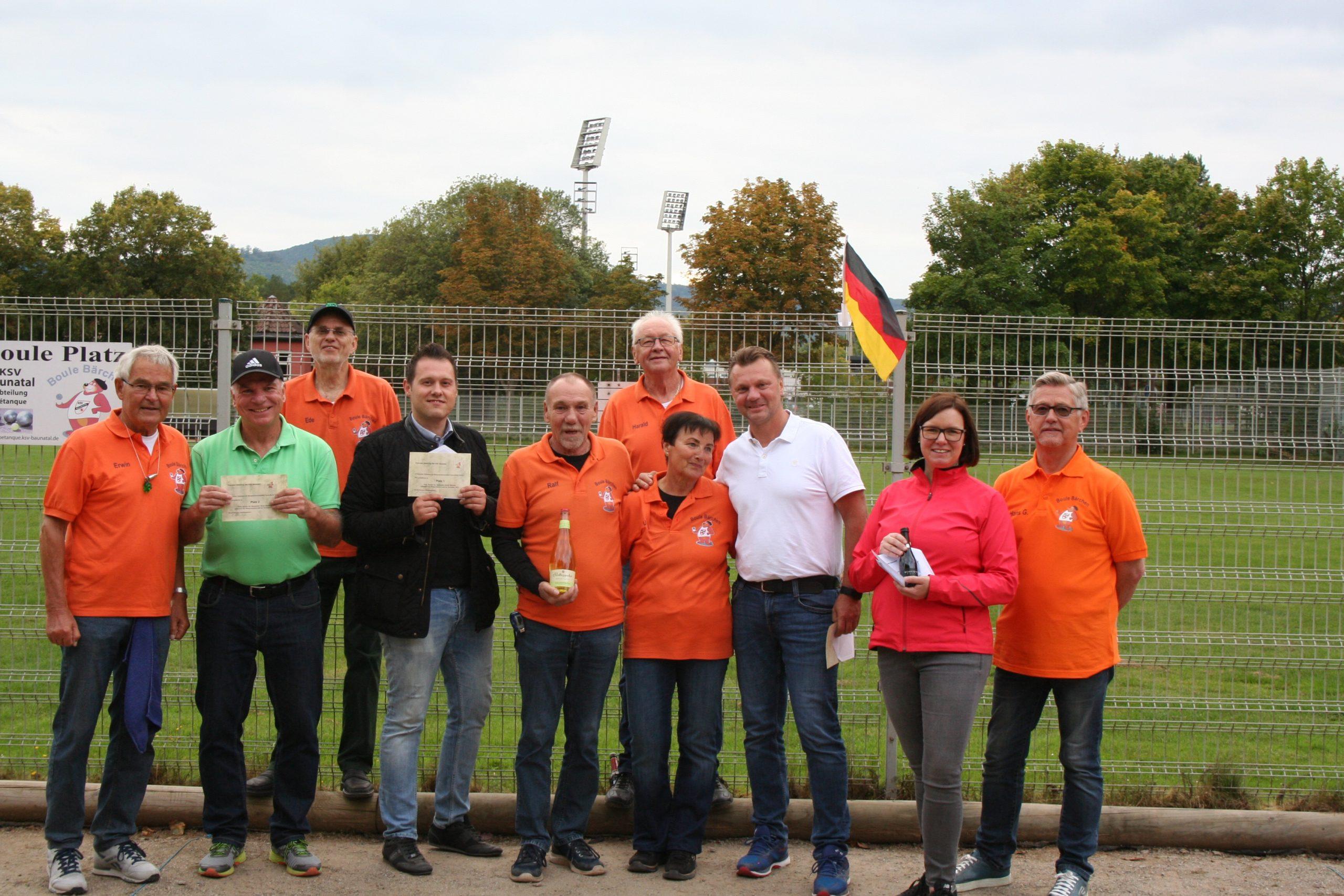 Sebastian Stüssel gewinnt Boule-Turnier der Bürgermeisterkandidaten.